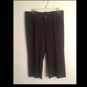 Chocolate Capris EUC! 6